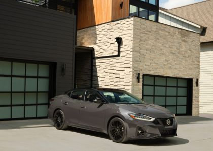 2021 Nissan Maxima 40th Anniversary Edition 3
