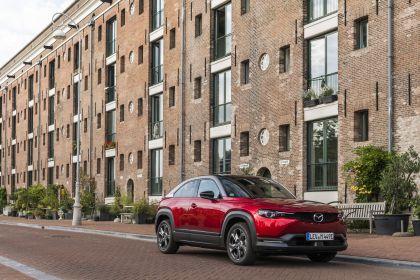 2021 Mazda MX-30 - UK version 98