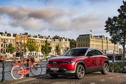 2021 Mazda MX-30 - UK version 106