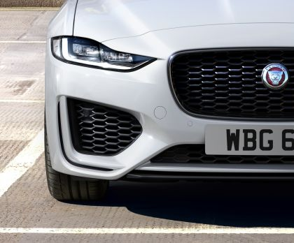 2021 Jaguar XE 10