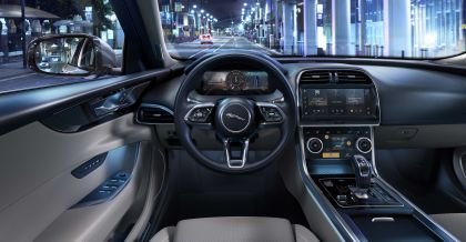 2021 Jaguar XE 17