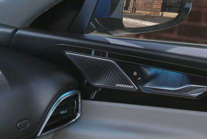 2021 Jaguar XE 23