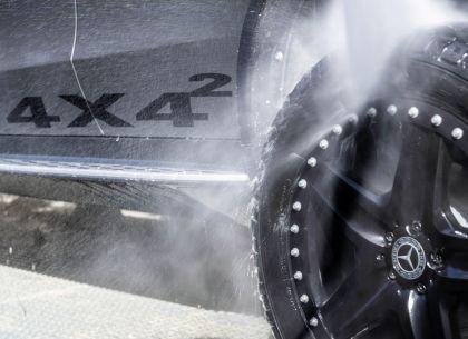 2020 Mercedes-Benz EQC 4x4-2 concept 7