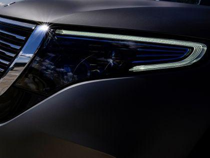 2020 Mercedes-Benz EQC 4x4-2 concept 8