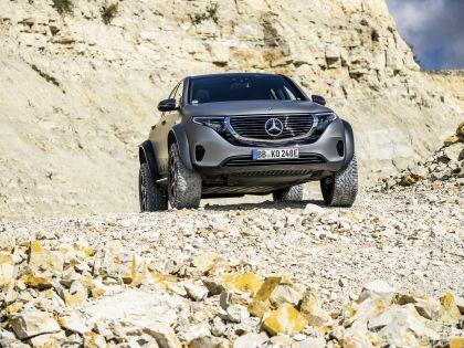 2020 Mercedes-Benz EQC 4x4-2 concept 10