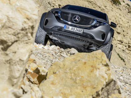 2020 Mercedes-Benz EQC 4x4-2 concept 11