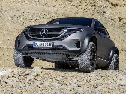 2020 Mercedes-Benz EQC 4x4-2 concept 12