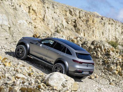 2020 Mercedes-Benz EQC 4x4-2 concept 14