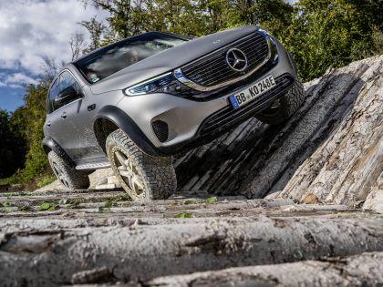 2020 Mercedes-Benz EQC 4x4-2 concept 17