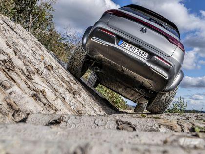 2020 Mercedes-Benz EQC 4x4-2 concept 18