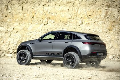 2020 Mercedes-Benz EQC 4x4-2 concept 24