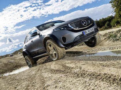 2020 Mercedes-Benz EQC 4x4-2 concept 25