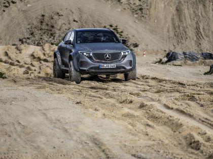 2020 Mercedes-Benz EQC 4x4-2 concept 26
