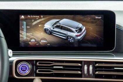 2020 Mercedes-Benz EQC 4x4-2 concept 31