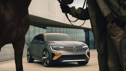 2020 Renault Mégane eVision concept 9
