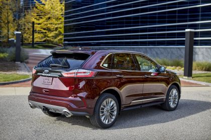 2021 Ford Edge Titanium Elite 3