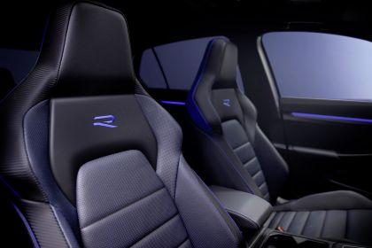2022 Volkswagen Golf ( VIII ) R 9