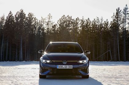 2022 Volkswagen Golf ( VIII ) R 33