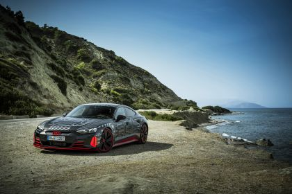 2020 Audi RS e-tron GT prototype 21