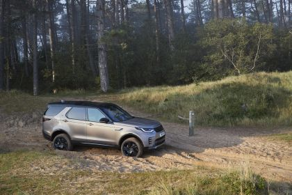 2021 Land Rover Discovery 26