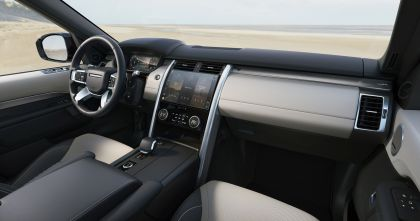2021 Land Rover Discovery 37