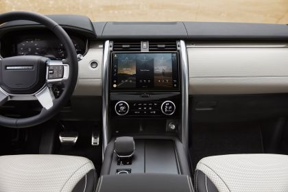 2021 Land Rover Discovery 39