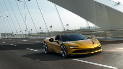 2021 Ferrari SF90 Spider 4