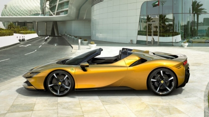 2021 Ferrari SF90 Spider 1
