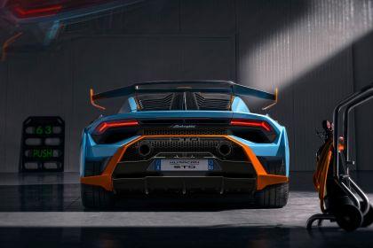 2021 Lamborghini Huracán STO 12