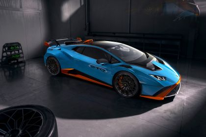 2021 Lamborghini Huracán STO 13