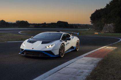 2021 Lamborghini Huracán STO 40