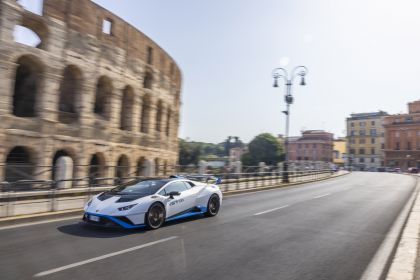 2021 Lamborghini Huracán STO 60