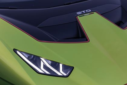 2021 Lamborghini Huracán STO 121
