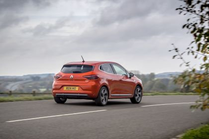 2021 Renault Clio E-Tech Hybrid - UK version 5