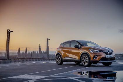 2021 Renault Captur E-Tech Plug-in Hybrid - UK version 1