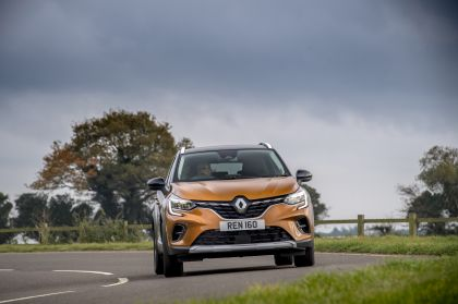 2021 Renault Captur E-Tech Plug-in Hybrid - UK version 3