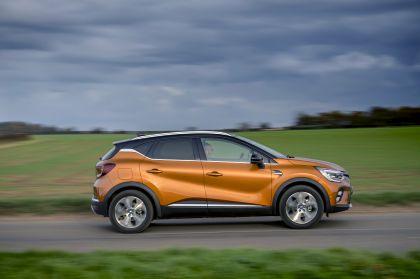 2021 Renault Captur E-Tech Plug-in Hybrid - UK version 5