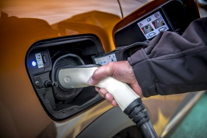 2021 Renault Captur E-Tech Plug-in Hybrid - UK version 7