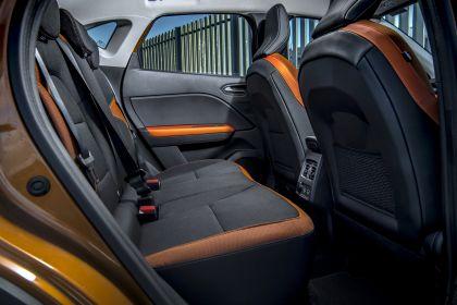 2021 Renault Captur E-Tech Plug-in Hybrid - UK version 11