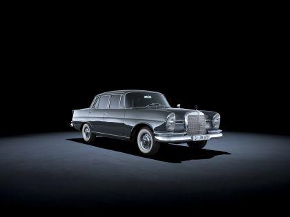 1959 Mercedes-Benz 220 SE ( W111 ) Tailfin 1