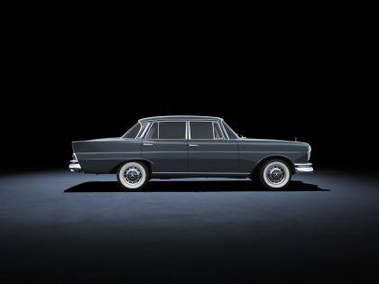 1959 Mercedes-Benz 220 SE ( W111 ) Tailfin 2