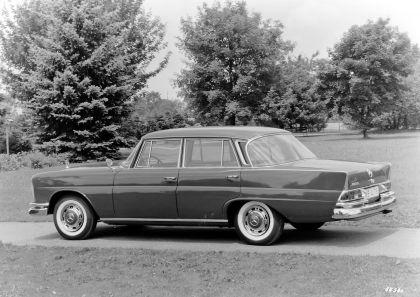 1959 Mercedes-Benz 220 SE ( W111 ) Tailfin 7