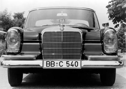1959 Mercedes-Benz 220 SE ( W111 ) Tailfin 8