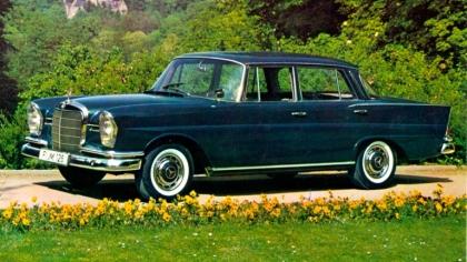 1959 Mercedes-Benz 220 SE ( W111 ) Tailfin 3