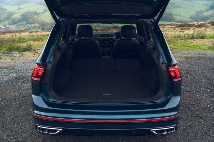 2021 Volkswagen Tiguan R-Line - UK version 65