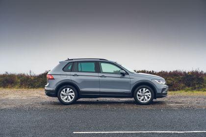 2021 Volkswagen Tiguan Life - UK version 24
