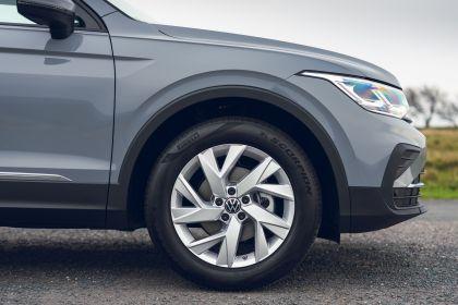 2021 Volkswagen Tiguan Life - UK version 28
