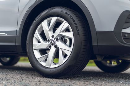 2021 Volkswagen Tiguan Life - UK version 31