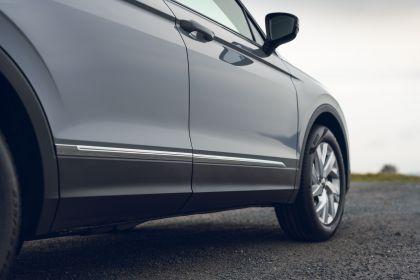 2021 Volkswagen Tiguan Life - UK version 43
