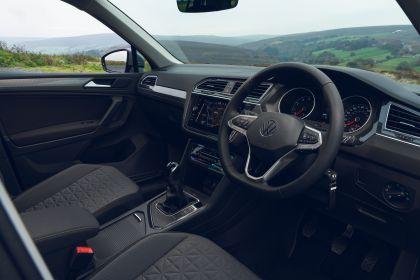 2021 Volkswagen Tiguan Life - UK version 55